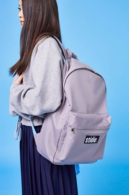 # 斜紋棉質,有LOGO設計 # SIZE偏大,材質硬挺