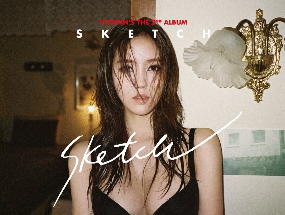 沒錯!就是孝敏~ 這次的solo專輯中有收錄兩首自創曲,其中Beast成員龍俊亨也有參與作詞,並和曾經製作SHINee《View》、EXO《Love Me Right》、Red Velvet《Dumb Dumb》等歌曲的製作人Ryan Jhun,以及小賈斯汀、碧昂絲等海外作曲團隊合作。