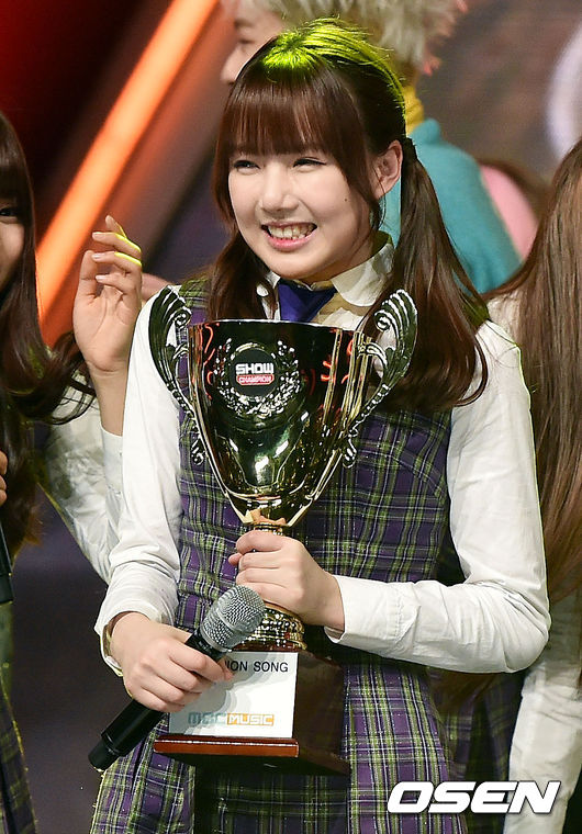 GFRIEND 在昨天的 MBC Music《Show Champion》再次獲得一位