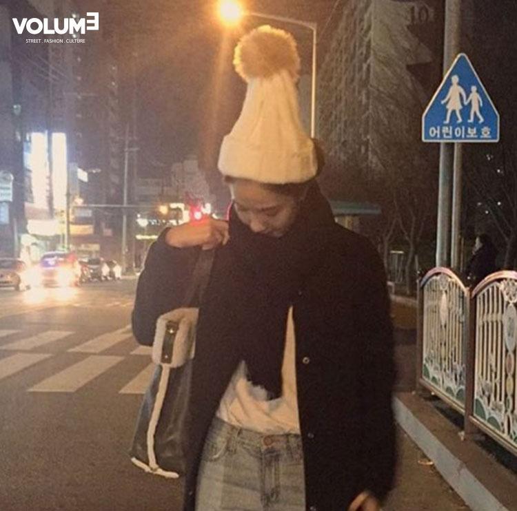 天氣冷帶上這樣的毛帽也很可愛~不但保暖,整體造型感也UPUP!
