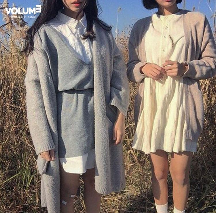簡單的的白色洋裝和粉嫩色系的長板針織衫整個就是走春天少女風~ 綁起腰帶的小心機可以讓比例看起來更好♥