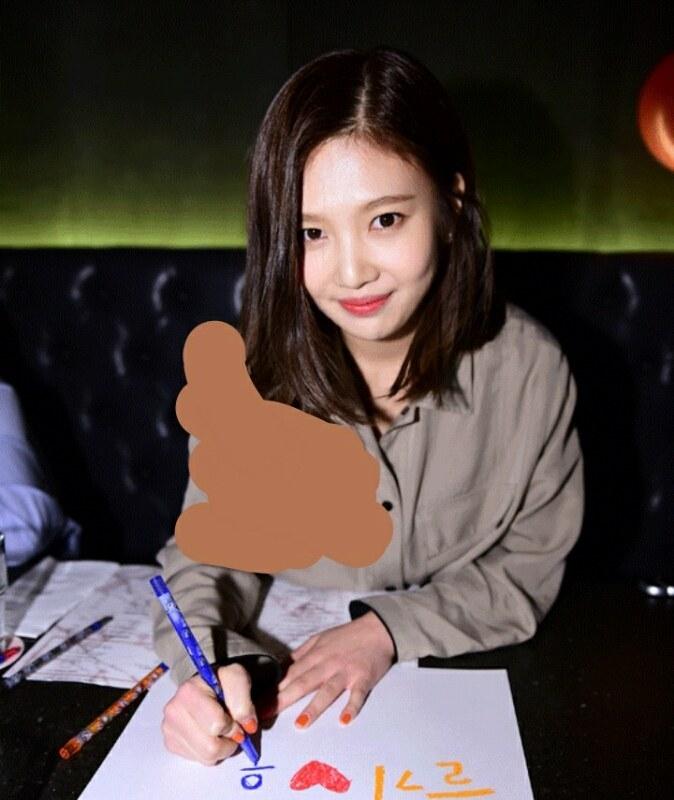 還有網友將Joy的照片塗掉長髮的部分,雖然色塊非常明顯XD 但還是看得出來Joy如果剪這種中長髮也很不錯耶!