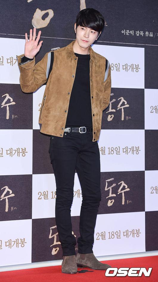 洪宗玄  08年就出演過霜花店,在那時就已經累積人氣的他 之後在電視劇媽媽內飾演專情的角色讓粉絲更認識他  不僅在電影、電視劇中有亮眼的表現,主持區塊也已受韓國人的肯定!