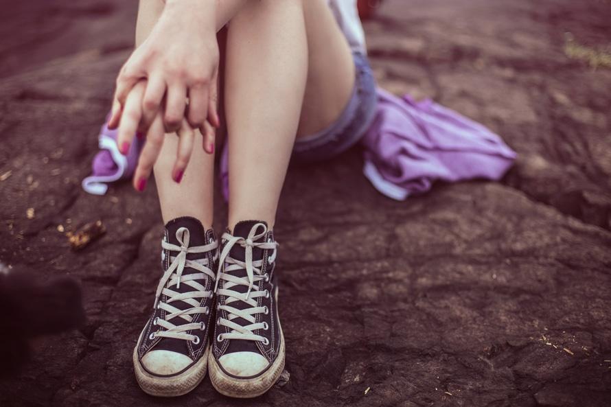 如果鞋子在早上的時候還剛好合適,但到了晚上鞋子就會掛到腳的話,在買鞋的時候選擇size大一點點的鞋子比較好~