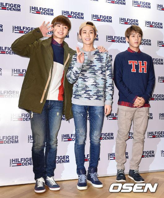 TOP#8 鄭鎰勳  和其他成員比比看 穿著牛仔褲更能貼著腿的曲線,太細啦!