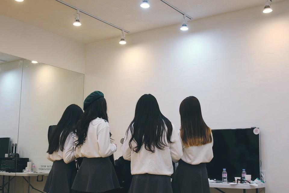 今天的主角是將出道的 6 人組女團「Princess」成員。