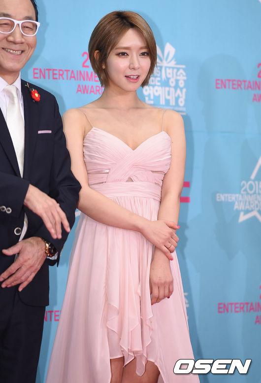 所屬公司:FNC娛樂 所屬團體:AOA 藝人名單:草娥