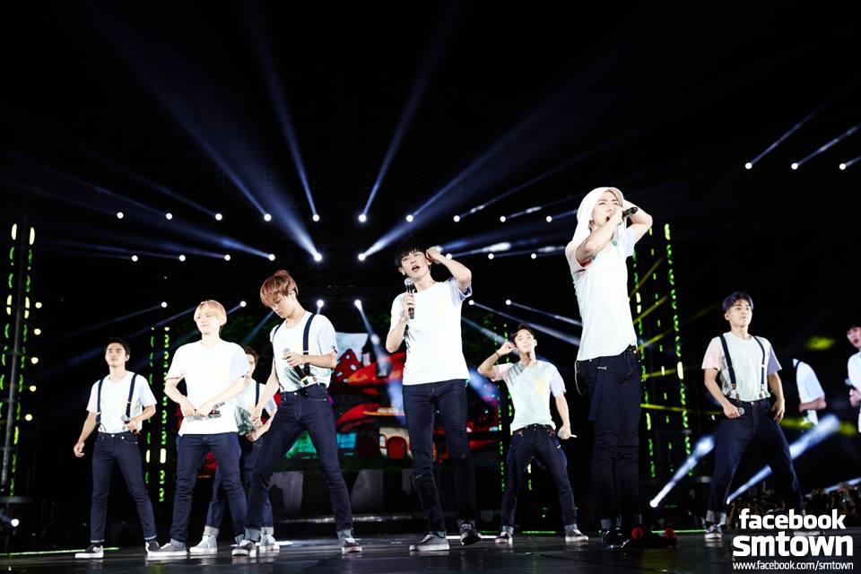 功臣之三:EXO  冬季專輯Sing For You用了不同的拍攝手法來詮釋 專輯內收錄的歌曲也大受好評,整張專輯讓粉絲愛不釋手!  韓文版本更成為銷售量佔據1位!
