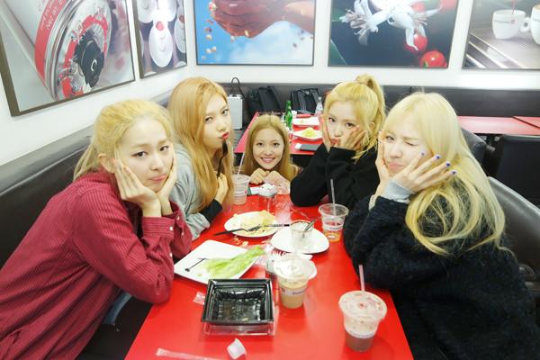 這次毒舌網友們更是指出「不管理身材」的女團就是Red Velvet,表示除了瑟琪以外,其他成員似乎平時不太注重身材管理(?)