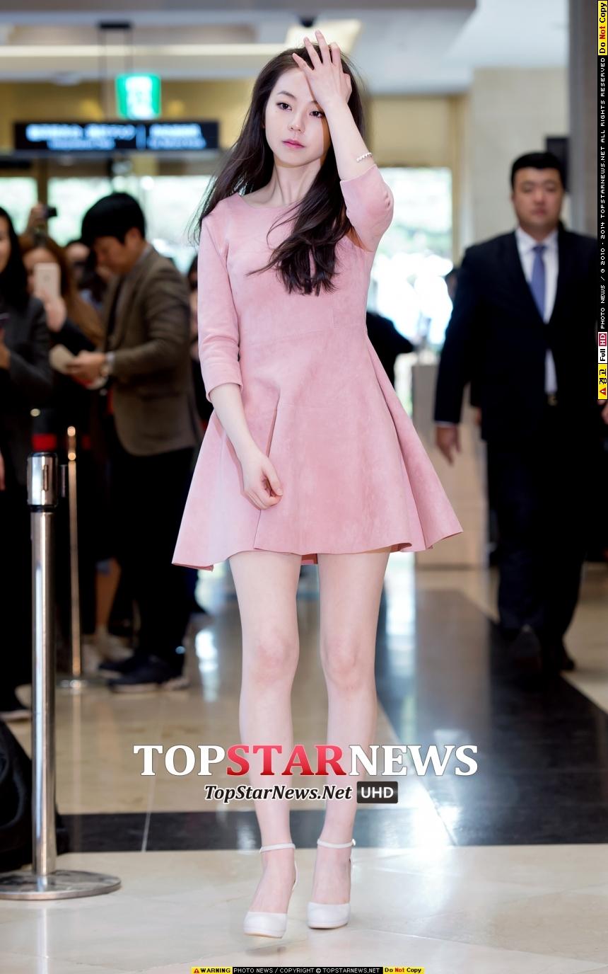 而衣服的主人就是她! 就是 Wonder Girls 前成員「安昭熙」♥