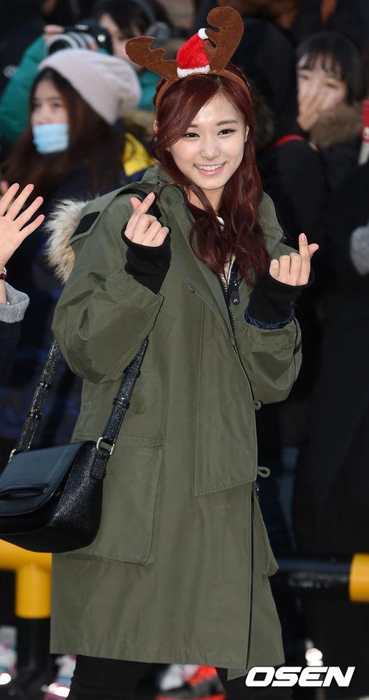 說到近期最受矚目的女孩,怎麼能漏掉她?沒錯!就是在韓國也擁有超高人氣的 TWICE 成員子瑜,完美的身材比例和漂亮的臉龐,說她是新一代的女神一點都不為過。