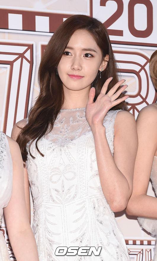 被稱為「韓國女團門面代表」的潤娥,除了少女時代的團體活動外,在戲劇、主持上也有亮眼的表現,最近更是發表了 SOLO 曲《德壽宮石牆路的春天》,讓大家看到不同面貌的她。