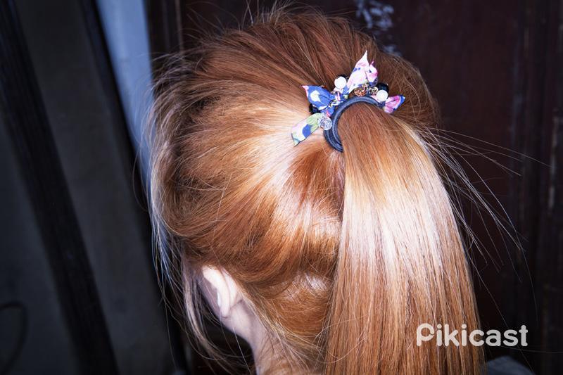 還有這個可愛的髮圈也是一個POINT!搭配上這一身個性風也不跳TONE~