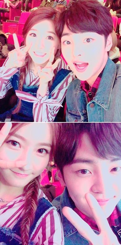 和一起擔任MBC《Show! 音樂中心》主持人的金旻載的合照也好可愛!