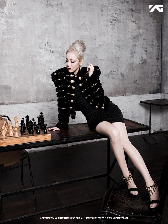 ►2NE1 Dara(다라) 本名:Park Sandara(박 산다라) 雖然是取本名中的Dara,但Dara也確實是本名沒錯XD