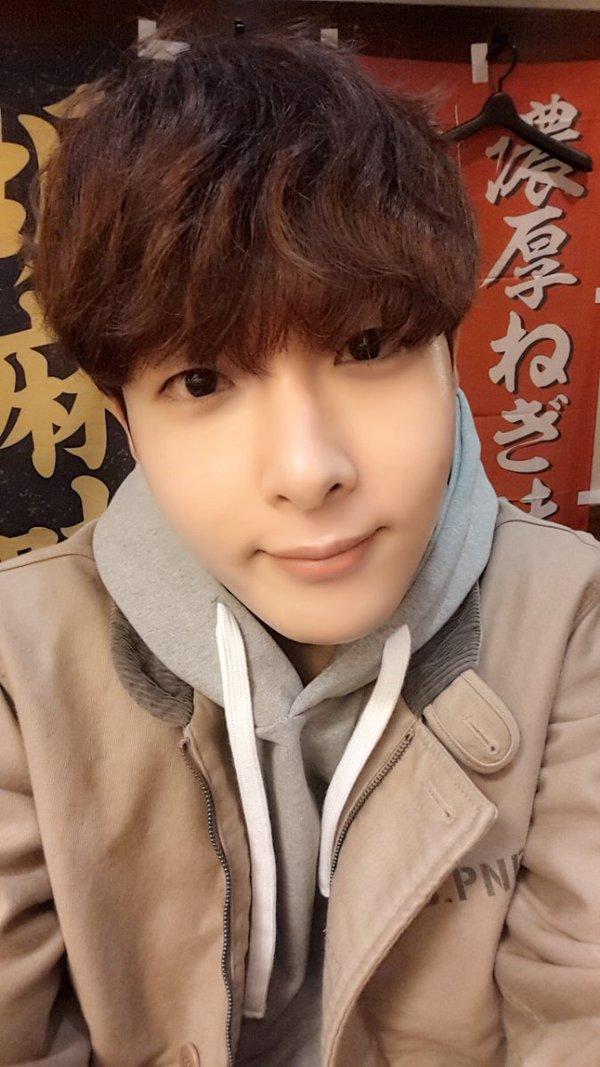 ►Super Junior 厲旭(려욱) 本名:金厲旭(김려욱)