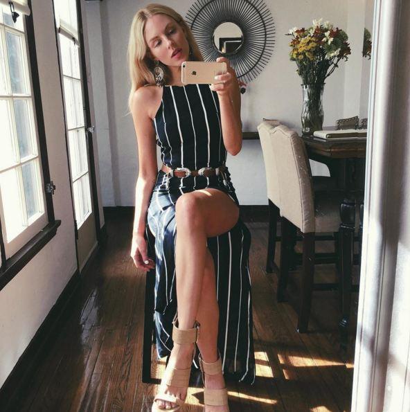 小女生也要變御姐! 今年春天非常流行的豎條紋裝...有拉伸腿的效果 不用懷疑,你穿上70%就變腿了,還有擋不住的誘惑!