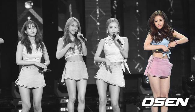 她是許齡智!因為在《Baby Kara》計劃中勝出,成為Kara的新成員,但在今年一月中,Kara三位成員離開DSP娛樂,許齡智則繼續留下來…