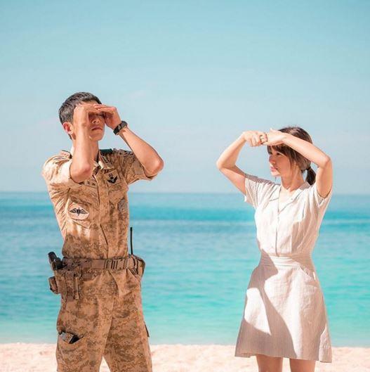《太陽的後裔》不斷打破新紀錄! 因為收視率已破韓國全國收視30%以上,得到了「國民電視劇」的稱號,男主角宋仲基也因此被稱為「國民老公」。