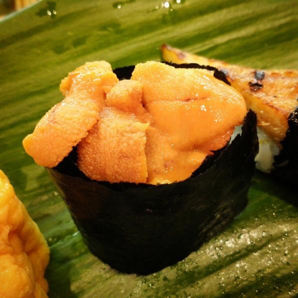 到海外旅行當然也是繼續...海膽壽司LOVE....♥