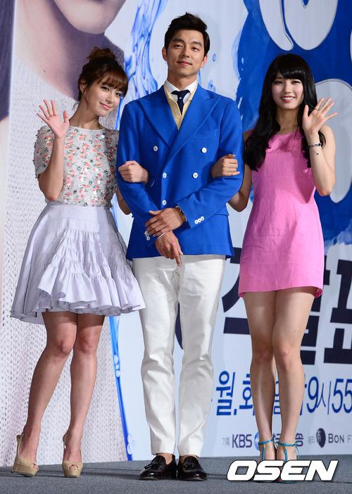 小編從以前就有在看李珉廷拍的戲,美貌真的完全沒變…就像韓國網友們所說的,她沒有一秒是不漂亮的啊!