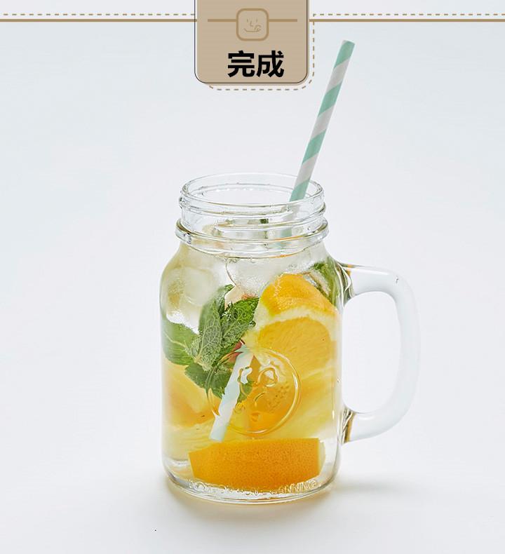 薄荷清涼解毒、而橘子的維他命又很豐富,蘋果中營養成份可溶性大,易被人體吸收,能使皮膚潤滑柔嫩,這個組合用於夏季排毒最合適不過,常喝可以讓皮膚乾淨透亮。