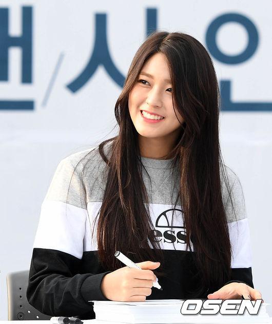 剛開始有媒體爆料女主角其實是最近的大勢女之一AOA的雪炫,但消息剛出來馬上就被經紀公司否認並表示從未接到相關提案。