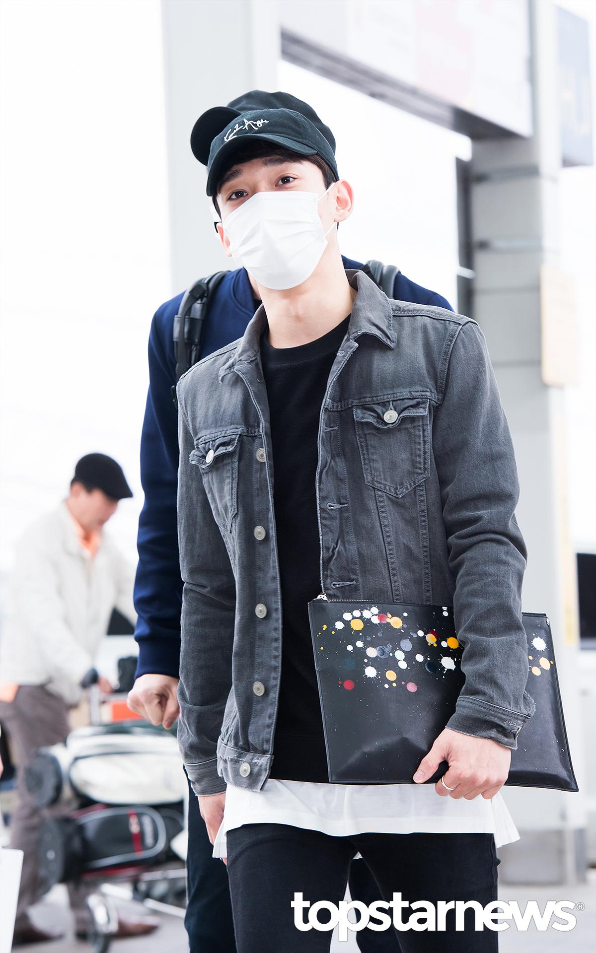 ▲ 牛仔外套 而CHEN的風格則比較俐落,大家比較喜歡誰的造型呢?