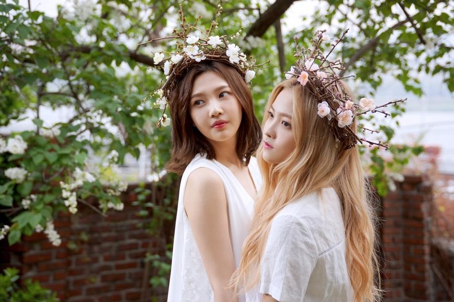 完全就是女神降臨啊!! 韓國網友形容這系列的照片是「一秒就讓人戀愛」的照片(笑)