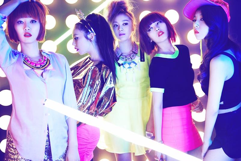 殊不知被Wonder Girls拒絕當主打歌的這首歌曲,卻意外成為當時紅遍全球的洗腦歌(笑)