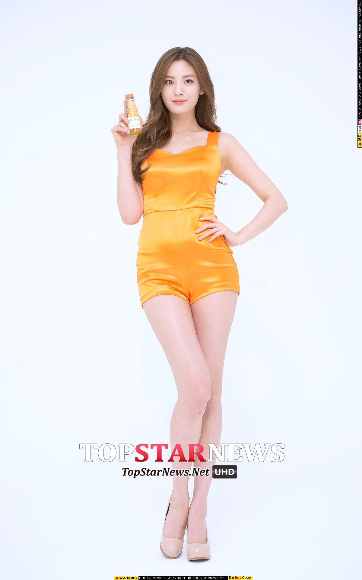 *神之比例 After School — nana 天使臉蛋加上魔鬼身材的nana,一直是各大品牌想要邀請拍攝海報的第一順位。看看著比例,這腿...被票選為世界最美的美女真的當之無愧!