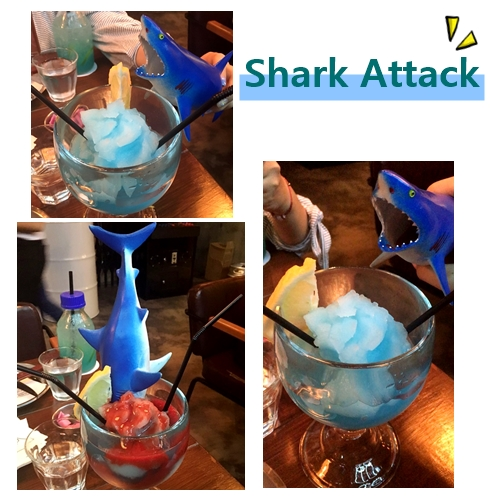 一端上桌就超級吸睛的鯊魚雞尾調酒,藍色的冰沙有淡淡的酒味是每個人都可以接受的程度,喝的時候從鯊魚嘴巴倒出草莓醬攪拌均勻,3款飲料中小編最愛這杯啦~