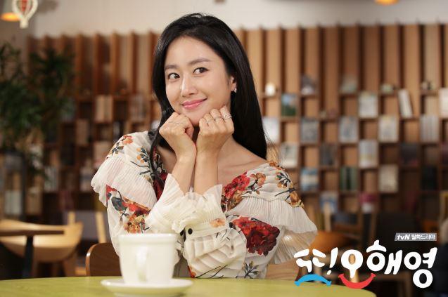 tvN在昨天公布原本預計16集完結的《又,吳海英》將要延長兩集!「為了使戲劇更加完整以及報答粉絲們對《又,吳海英》的支持,所以決定要再延長兩集。」