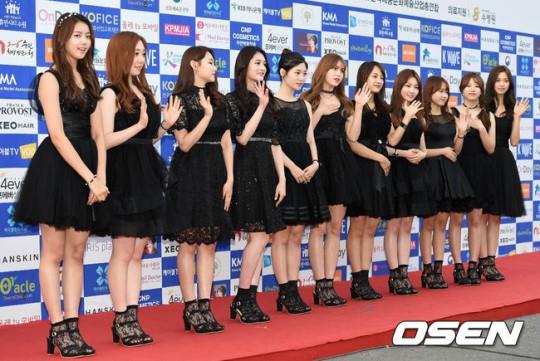 面對許多的猜測YMC娛樂公司發表聲明表示 [I.O.I的合約期限到2017年1月,因此團體活動不會提前終止。]