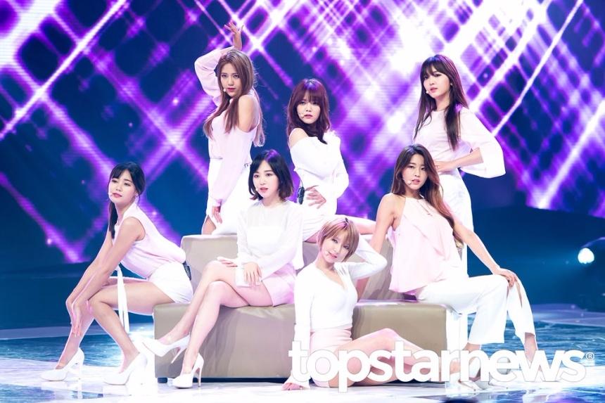AOA這次回歸可以說是一波三折,先是因為歷史事件在韓國網友心目中好感度瞬間降低,在活動了兩週漸漸被大眾所接納之後,竟然又發生音樂節目成績計算錯誤問題。