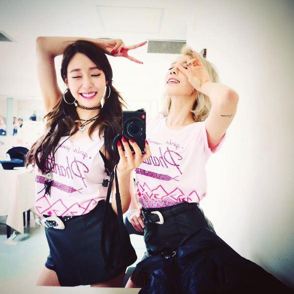 太妍「我們的粉紅公主 初舞台加油 ♥」