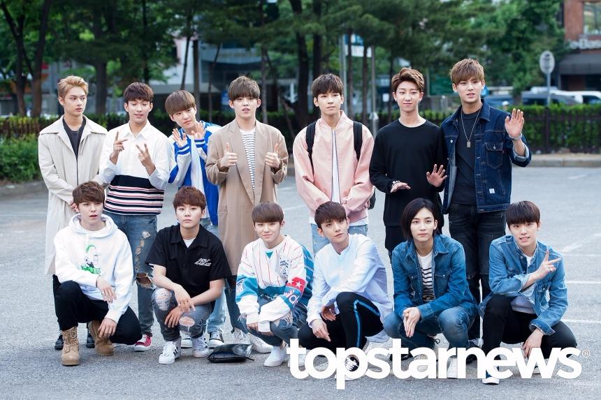 男子團體的部分,當選的是13人團體「Seventeen」