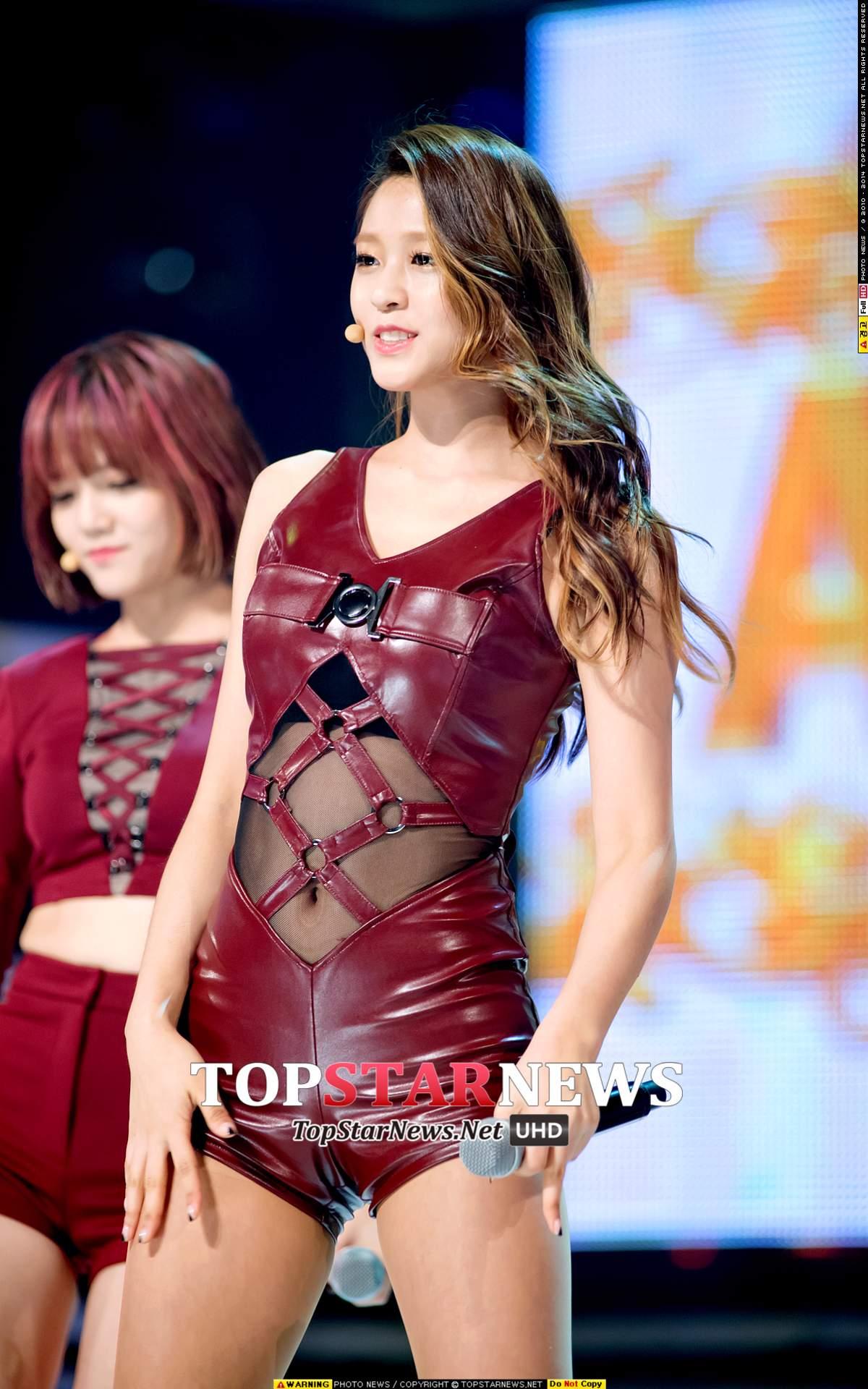 ◆AOA—雪炫 這個身材....再加上這身緊身皮衣...太..性感了吧!