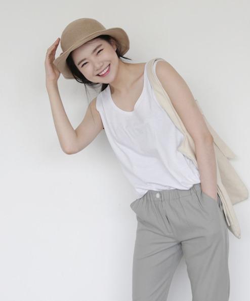 改善方法三★透氣上衣 可以多穿棉質或亞麻上衣,這2種材質的衣服都比較透氣,可以讓汗水比較快散發不會惡化痘痘情形