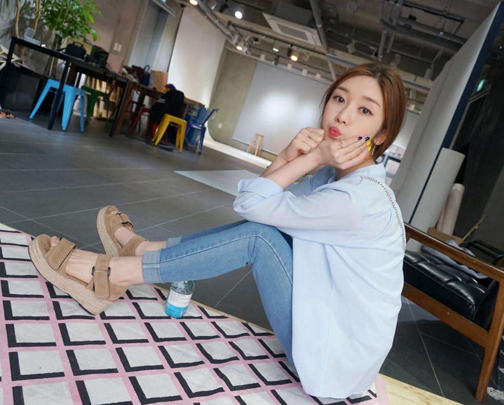 ✔厚底鞋 矮個子女孩的救星 ! 不僅能增加身高還能修飾整體比例,編織感的涼鞋更增添了夏天感