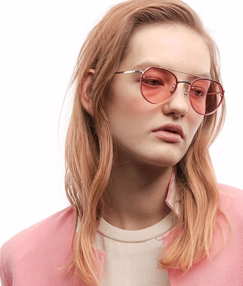 今年果凍色在運用上很廣,從鏡面到鏡框、鏡架,摩登少女覺得果凍色很有季節感阿☼☼☼