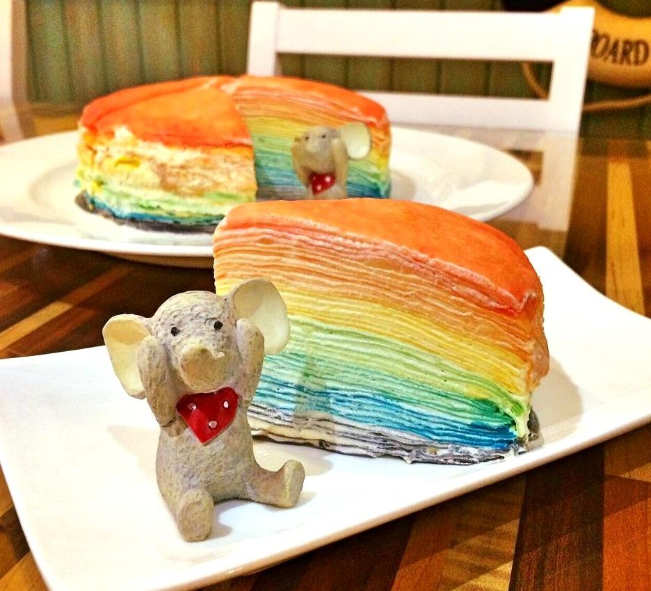 千層蛋糕控不能錯過的一家店 ! 每款蛋糕都是精心製作,還有詢問度爆表的彩虹千層蛋糕看了超級想吃啦~~~  由於製作比較費時費工,店家建議可以先打電話做詢問唷
