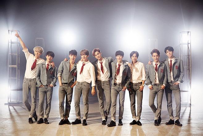 此外,EXO 的新歌初舞台將在 8 日舉行的《EXOMENTARY COMEBACK STAGE》公開,專輯則在 9 日發行。