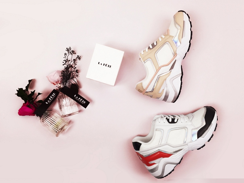 由孔曉振參與設計的這雙鞋款,也在今天(6/3)開始在韓國網站上開放預售囉!