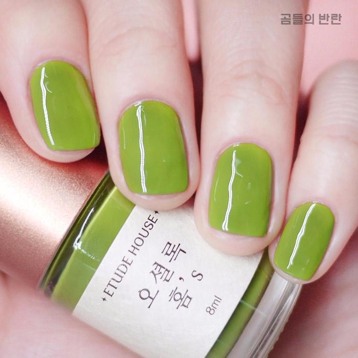 這個抹茶顏色畫起來好清新啊❤仿佛隔著指甲都能聞到濃濃的抹茶香。