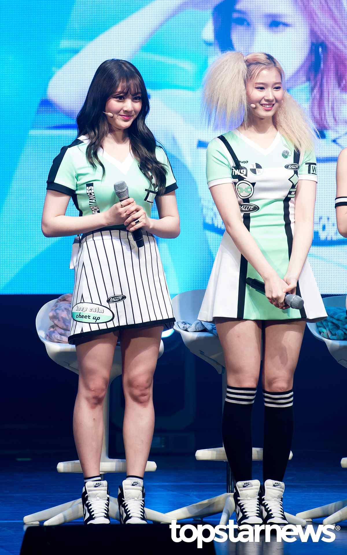 像Sana其實也被韓國網友們點名說是「隱藏版貝果女」,這樣看來TWICE每位成員根本都是可愛臉蛋加上魔鬼身材啊XD