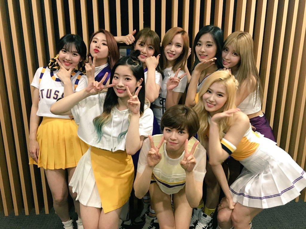 TWICE這群可愛的少女們,這次回歸可以說是非常成功,每一位成員的知名度也都大大提升了!