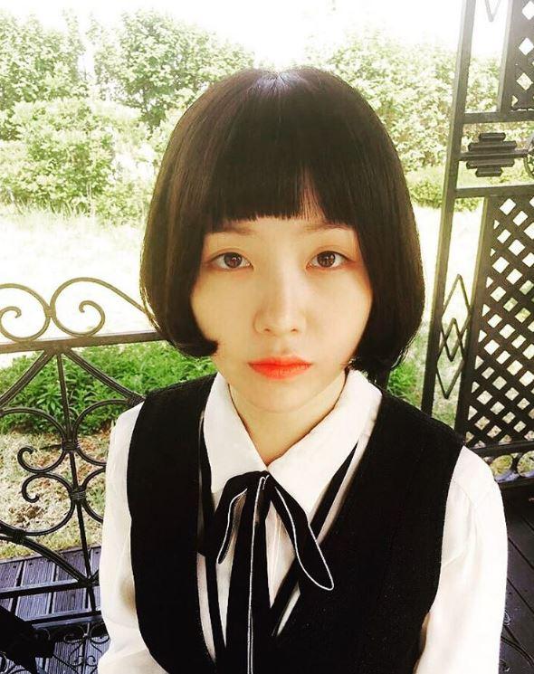 #《美女孔心》- 珉雅 努力轉型成為演員的珉雅,雖然因為劇情需要的假髮有點不漂亮,不過珉雅的哭戲可是哭到很多觀眾的心裡去了