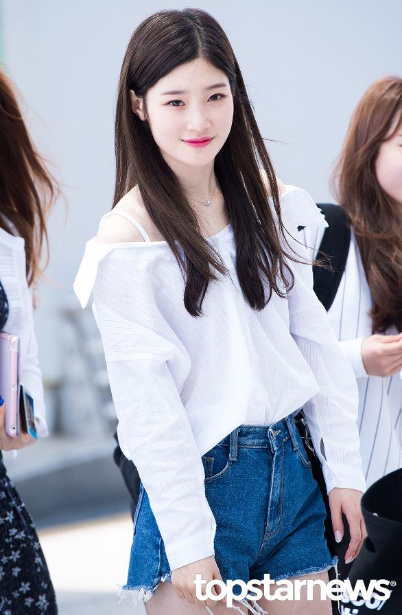 不過小編覺得是因為彩妍在I.O.I時期,外貌成熟了許多的關係啦!
