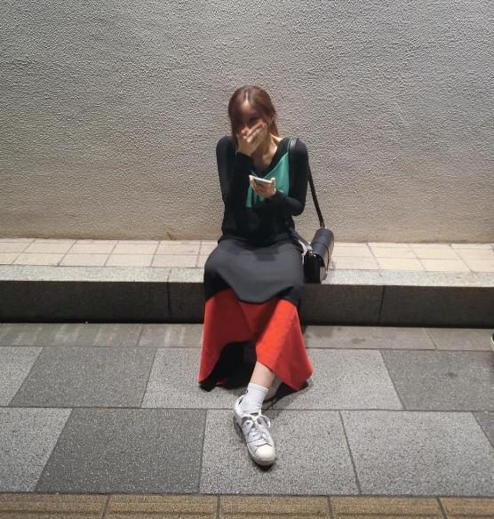 模特身材,穿什麼都好看 8ㅅ8 像這樣下擺大的裙裝,非常適合高個子女生唷~